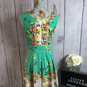 Dress Barn Dresses - Dress Barn V neck Flowered dress size 4